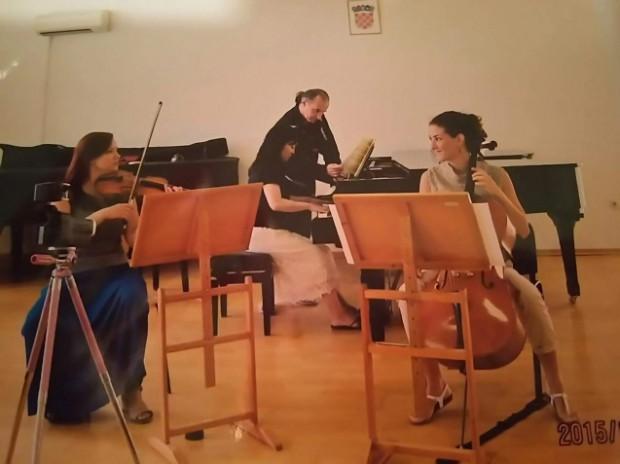 「室内楽、ピアノトリオも指導して頂きました」